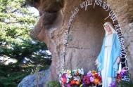 Oh María sin pecado concebida, ruega por nosotros que recurrimos a Vos. Ésta es la oración que tú inspiraste, oh María, a santa…