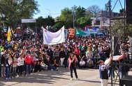 22/09/2014 – Como todos los años, miles de jóvenes se pusieron en camino y peregrinaron hacia el Santuario de Nuestra Señora de Itatí…