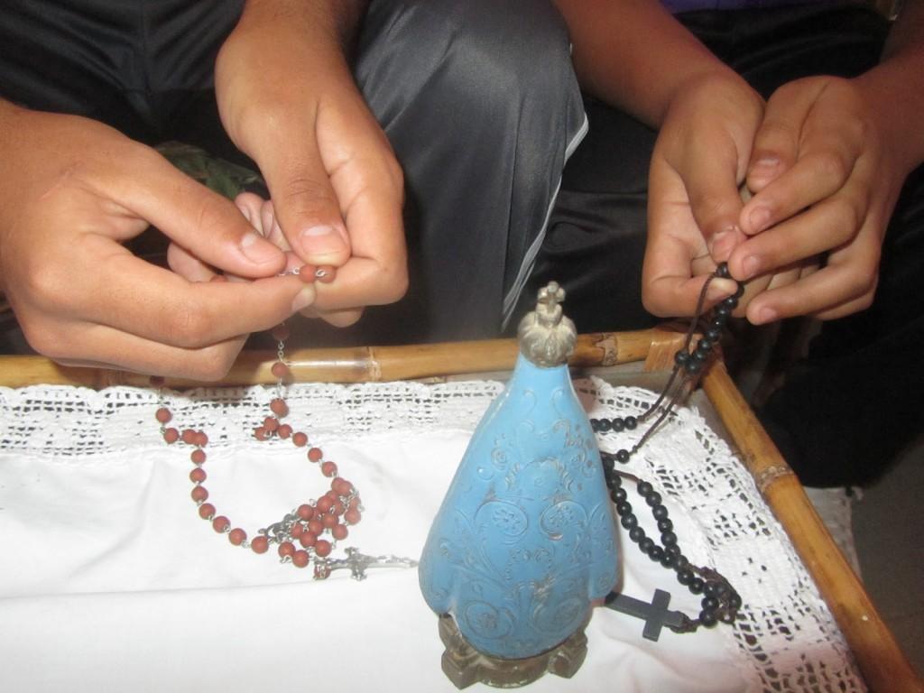 rezar rosario