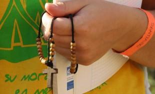 A lo largo de la programación de Radio María, rezamos los cuatro misterios del rosario cada día.…
