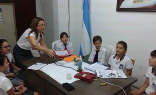 21/04/2015 - Cada día a las 14 hs en Radio María transmitimos el rosario de los niños.…
