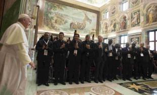 29/10/2015 - En la Sala Clementina, el Papa Francisco dirigió unas palabras a los directores y presidentes…
