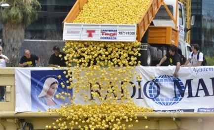 30/11/2015 - El 29 de noviembre quedará como el día en que la solidaridad atravesó el Río Suquía de la ciudad de Córdoba en la gran carrera del Pato Solidario. Bajo la…
