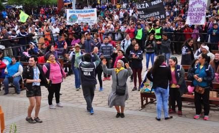 18/09/2017 - Las bajas temperaturas no impidieron que miles de jóvenes del NEA (Noreste argentino) se pusieran en marcha en la 38º peregrinación juvenil a Itatí. Los peregrinos de la región caminaron…