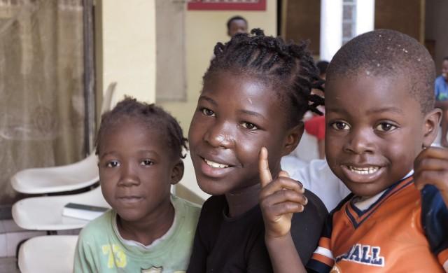 19/04/2018 - A casi un año del viajede Mariathón que hicimos juntos compartimos con alegría que la asociación de Radio María sigue trabajando por Haití y cada vez falta menos para que la señal esté al aire. La Familia Mundial de Radio María sigue de cerca el proceso en Haití, a través de un sacerdote haitiano que desde la Radio…