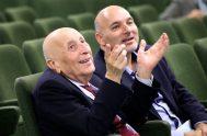 """Don Emanuele, el fundador y """"primer voluntario"""" de Radio María en el mundo, destacó la generosidad con la que el continente americano ha…"""