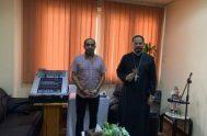 Viene en el corazón el anhelo de llegar cada vez más a más corazones de cristianos árabes de Oriente Medio. Y con el…
