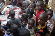 """12/05/2021 - """"En África, Radio Maria juega un rol muy importante en la educación y formación de las personas. La mayoría de los…"""