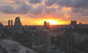 20/11/2014 – Al acercarse y ver la ciudad, lloró por ella, diciendo: «¡Si también tú conocieras en…