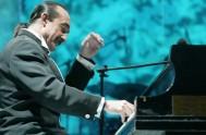 """06/02/2015 – Raúl di Blasio es un pianista argentino, originario de la localidad de Zapala (Neuquén) conocido en el mundo como """"el piano…"""