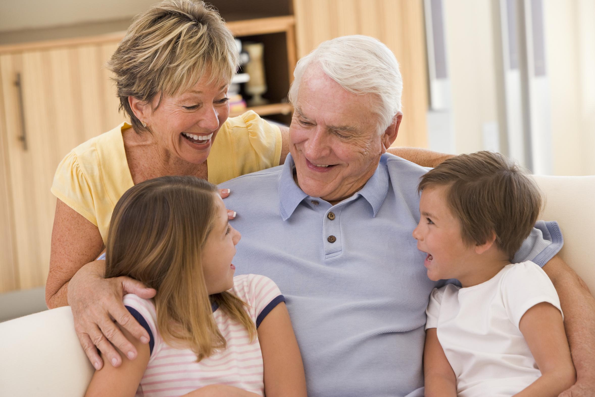 Los Abuelos, Cada Vez Más Importantes Para Sus Nietos