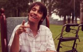 06/04/2015 – Cristian Mariano Deppeler tiene 20 años, vive en Chaco – Argentina. Cuando nació los médicos…