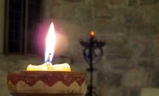 Ven, Espíritu Divino manda tu luz desde el cielo. Padre amoroso del pobre; don, en tus dones…