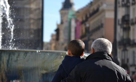 25/07/2015 – Raquel Samanón, licenciada en Psicología y mediadora nos habla de la importancia de los abuelos en la vida de la familia hoy: el abuelazgo es un sentir, es una…