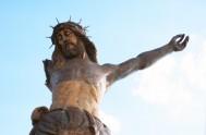 """25/03/2016 El padre Ramón Cué S.J escribió la obra """"Mi Cristo Roto"""" en el año 1963. El libro contiene cuatro relatos que…"""