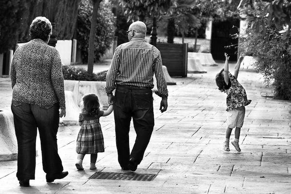 Un Abuelo Y Sus Recomendaciones A Sus Nietos