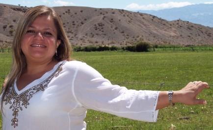 27/06/17 - En diálogo con Radio Maria, la cantante sanjuanina de folclóre argentino Claudia Pirán, nos cuenta su historia como hija adoptiva y como mamá adoptiva Los hijos adoptivos son hijos,…