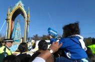 8/11/17 – El once de julio, en estación María, caminamos junto a la Virgen del Valle de la Reducción, en Lules, Tucumán.…