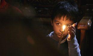 Esta sencilla historia nos invita a reflexionar en torno a nuestro compromiso de ser luces en medio…