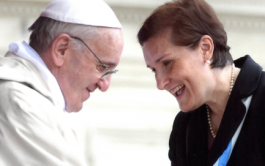 La Dra Silvia Correale es argentina, doctora en Derecho canónico y Postuladora laica en el Vaticano .…