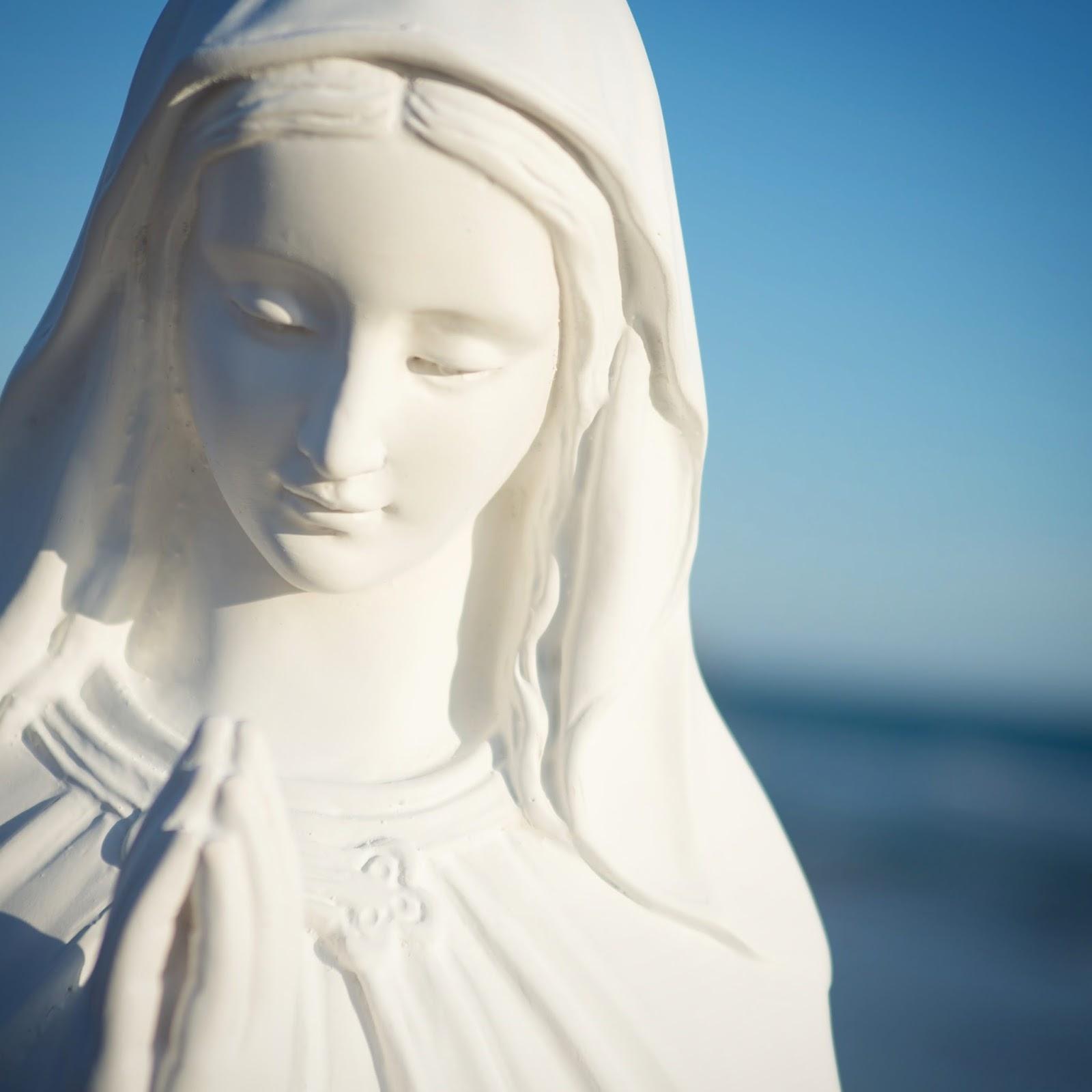 La Virgen de la Sonrisa: La sonrisa que curó a Santa Teresita de su  depresión - Podcast