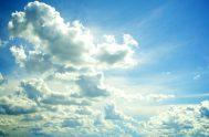 """28/11/2018 – La biblista María Gloria Ladislao eligió al simbolismo de las nubes y dijo que """"desde siempre son vistas de modo positivo,…"""