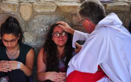 11/01/19.- El evangelio hoy nos presenta otra de las manifestaciones iniciales de Jesús: la curación del leproso. Su fama crecía…