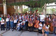 12/02/2019 – En el ciclo dedicado a ¨La música y el canto, como herramientas de promoción¨, María José Patiño, coordinadora de la Orquesta…