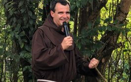 13/04/2019 – Fray José Luis Guirado es sanjuanino, franciscano y vive en una ermita en Tafí del Valle, en Tucumán,…