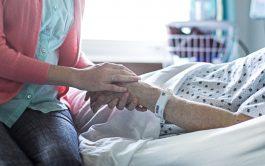 """10/06/2019 –La eutanasia también se conoce vulgarmente como """"muerte digna"""", """"muerte sin sufrimiento físico"""" o """"muerte que se produce voluntariamente…"""