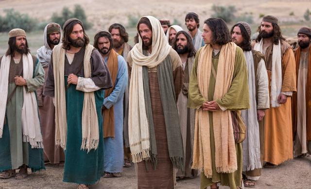 """Catequesis en un minuto  20/08/2019 - Martes de la vigésima semana del tiempo ordinario """"Jesús dijo entonces a sus discípulos: """"Les aseguro que difícilmente un rico entrará en el Reino de los Cielos. Sí, les repito, es más fácil que un camello pase por el ojo de una aguja, que un rico entre en el Reino de los Cielos"""".…"""