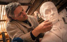 12/09/2019 – En un diálogo maravilloso,Julio Incardona, modelador de yeso, resina, piedra y arcilla, nos contó cómo surge su última…