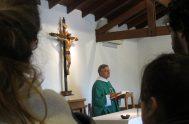 14/10/2019 – El padre Mario Sanchez continuó, en esta oportunidad, desarrollando el tema de los Signos Litúrgicos y respondiendo a las inquietudes de…