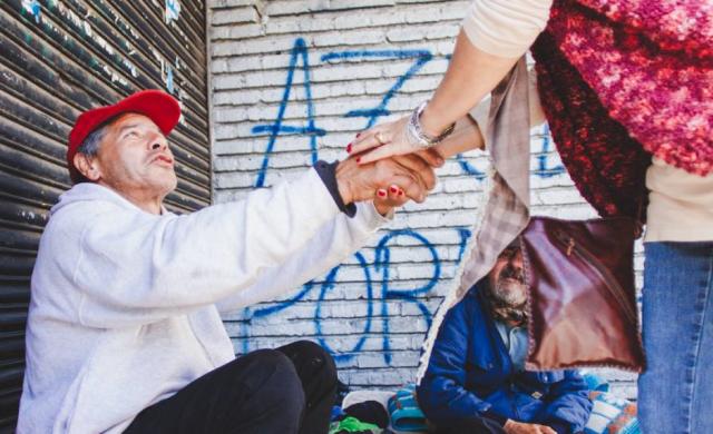 """10-10-2019 – En esta nueva edición del ciclo """"Misericordiosos como el Padre"""", el padre Luis Albóniga nos habló acerca del tema """"Un corazón que ve y actúa en consecuencia"""". """"El programa del cristiano, es el programa del buen samaritano: tener un corazón que ve y actuá en consecuencia"""", dijo el padre Luis citando a Benedicto XVI y tomó como iluminación…"""