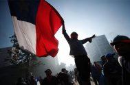 14/11/2019 –Desde que se inició el conflicto hace 26 días, en Chile no encuentran los modos para contener una protesta social, que es…