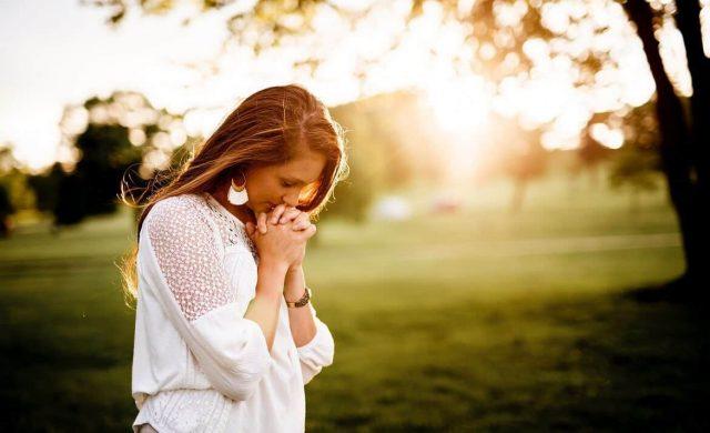 13/11/19 - La lista de los gozos que vivimos son muchos y nuestra vida está llena de alegrías. Debemos aprender a buscar a Dios también en estos momentos en los que nuestro corazón se llena de la alegría de vivir . La gratitud de corazón, abre las puertas del cielo para recibir nuevas bendiciones. El camino de la oración clave…