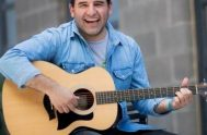 """21/01/20- En nuestro ciclo """"palabras y música"""" recibimos con gran alegría a Maxi Larghi, músico y cantautor cristiano. La idea en estos encuentros…"""