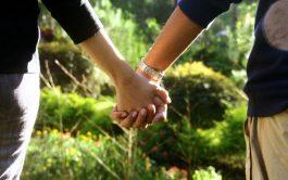 """14/02/2020 –Hoy, con motivo de la fiesta de """"San Valentín"""", se festeja el """"Día de los Enamorados"""". Cada año, en…"""