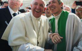 """""""Bien de Paz"""" es un espacio brindado por la Comunidad Belén, fundada por el padre Adrián Santarelli..…"""