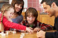 06/04/2020 –En este tiempo de estar en casa, ¿te animás a jugar con tu familia?; ¿a qué juegan?; ¿qué experiencias de juego surgieron…