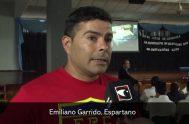 21/04/2020 –Emiliano Garrido hace 4 años que está en libertad. Va por la vida con las heridas abiertas, cicatrizando. A su padre lo…