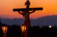 """10/04/2020 – Compartimos el segundo anuncio de nuestro retiro radial de Pascua:  """"Cuando llegaron al lugar llamado «del Cráneo», lo crucificaron junto…"""