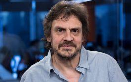 """21/05/2020 –En el ciclo """"A libro abierto"""" Alberto Mateu y Verónica La Forgia dialogaron con el historiador Felipe Pigna, sobre…"""