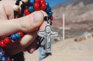 24/09/2020 – Hoy celebramos a la Virgen de la Merced y el texto de hoy,Juan 19,25-27 nos muestra a Jesús en la cruz,…