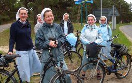 """06/10/2020 – Este lunes, en """"Ecos misioneros"""", la hermana Viktoriia Sarkisian, misionera Sierva del Espíritu Santo y que hace casi…"""
