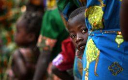 """16/10/2020 -""""En el seno de la oscuridad que envuelve a países como el nuestro, la sonrisa de María es una luz increíble que no deja de iluminar nuestra vida"""", expresó Vida de Dios, presidente de Radio MaríaCentroáfrica, quien se sumó a esta Mariathon 2020, y en este tramo nos adentramos en """"La alegría en la fe al modo africano"""". En…"""