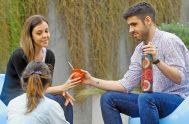 """22/03/2021 – En el ciclo """"Ya no te llamarán abandonada"""", el padre Matías Jurado abordó junto a Roxana Fantín, doctora en comunicación, escritora…"""
