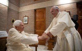 16/04/2021 – El papa emérito, Benedicto XVI, cumple este viernes 16 de abril 94 años y lo celebrará en el…
