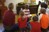 """[audio mp3=""""https://radiomaria.org.ar/_audios/56093.mp3""""][/audio] 07/05/2021 - En Juan 15,12-17, Jesús aparece en el centro de la vida comunitaria, como quien elige y nos invita a…"""