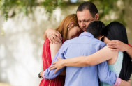 """20/05/2021 – Esta semana en el ciclo """"Sociedad adictiva y mundo espiritual"""" el padre Fernando Cervera nos llevó a profundizar en la familia…"""